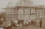 Stavitelé kostela spolu s členy kostelní jednoty, rok 1908