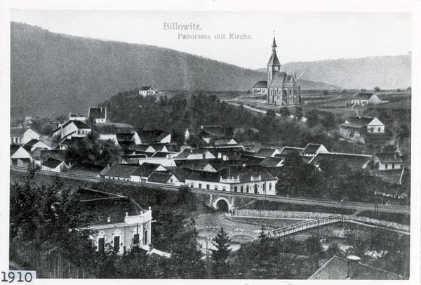 Panorama Bílovic s novým kostelem