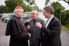Pozdravení duchovních otců po příjezdu do Bílovic